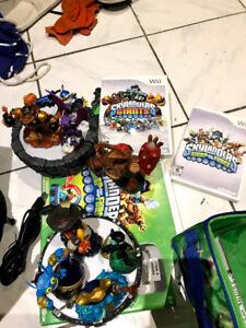Skylanders swap force/Giants 2 portal 8 avatars 2 games Wii gift