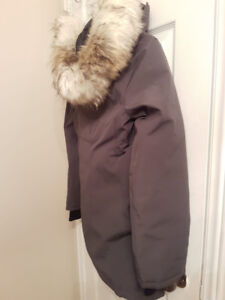 Small Aritzia jacket, never worn brand new with tags!