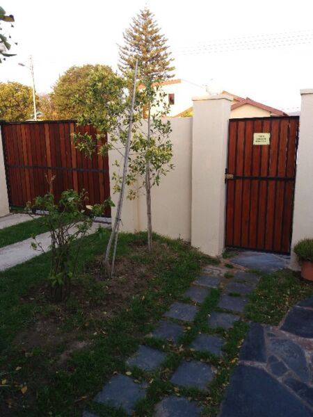 Strand : Fully furnished self catering one bedroom garden flat