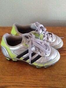 Adidas soccer cleats / shoes  like new
