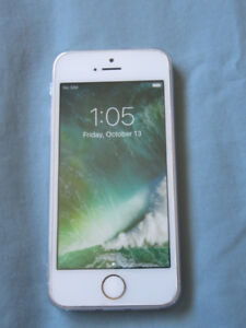 iPhone 5S Gold 16GB Bell Virgin Excellent phone