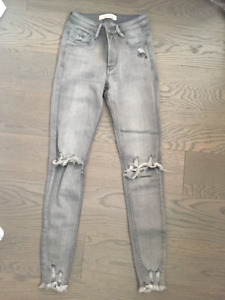 Queen of Hearts Grey Jeans from Paris