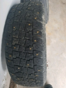 """15"""" rims, 4 tire bags, 195/65R15 Winter studded tires"""