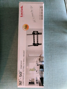 """32""""-50"""" Low Profile Tilting TV Wall Mount"""