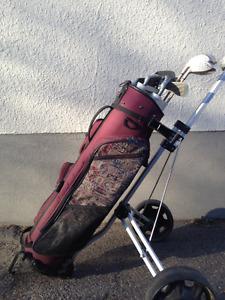 Ladies Northwestern right hand golf set