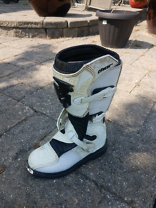 Thor Motocross boots size 8