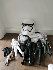 Star wars figures and dress up