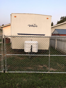 2007 25 foot long trailer in very good condition