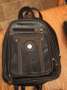 collection of purses - clean, excellent condition