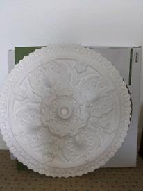 Plaster ceiling rose (rrp£66)