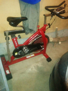Fusion stationary bike