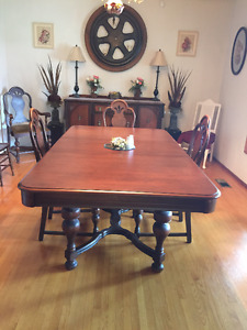 Beautiful classic solid wood dining suite