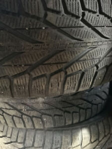 pneu d'hiver 225-55-18