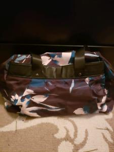 df2572c5db28 Duffel Bag | Kijiji in Ottawa. - Buy, Sell & Save with Canada's #1 ...