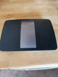 Router Cisco Linksys AE6500 V2 dual-band