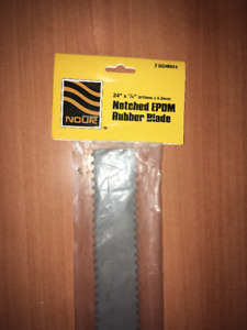 "NOUR EPDM RUBBER BLADE FOR ALUMINUM CLAMP SQUEEGEE 24"" X 1/4"" Z"