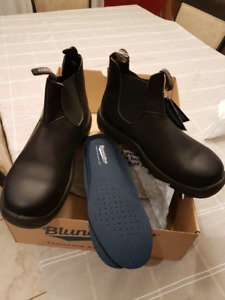 NWT Blundstone work boots size 11