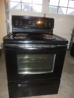 Frigidaire Black Coil Stove in Very Good Condition