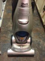 """Vacuum Shark 12 Amps 15"""" Wide Bagless"""