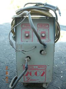 Auto body.Spot welding machine.Poste a souder par point.