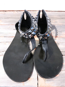 TRENDY studded sandals $20, size 6