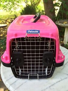 """Dog kennel / pet carrier small 18"""""""