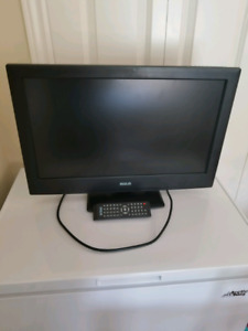 RCA 23 inch LED tv and Apple tv