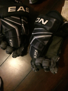 Mens Easton S19 Hockey Gloves