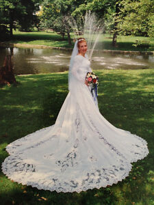 Price Reduced!! Elegant Wedding dress for only $120!