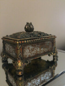 Florentine Antique Gold Mirrored Jewelry Box