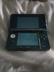 Nintendo 3DS Launch Edition - 3 games + optional carrying case
