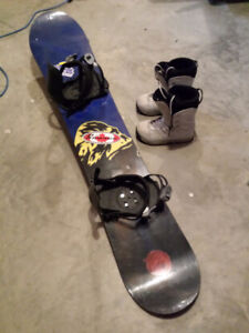 Used snowboard and size7 boot