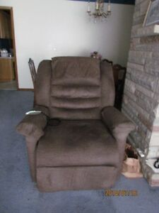 Lift  - Chair - Holds 350 LBS - Brown - Like New - $500