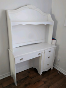 White desk with drawers and hutch design by Eshley.