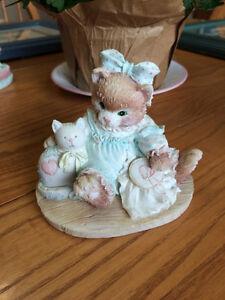 "MINT Calico Kittens ""Friendship is Sewn Stitch by Stitch"" Figure"