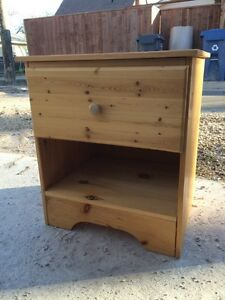 Perfect Pine Bedside Table (SOLD - pending pickup)