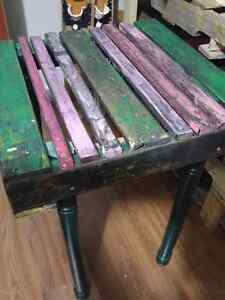 Small pallet table decor
