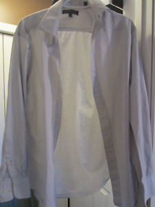 LIKE NEW! Men's Tommy Hilfiger Dress Shirt (15 1/2, 34-35)