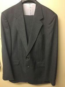 MEN'S SHARP SUIT ~2 DRESS SHIRTS AND SEPERATE BLK PANTS