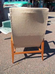 2 superbes chaises lounge , teck et fibre verre vintage Saguenay Saguenay-Lac-Saint-Jean image 5
