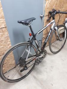 Vélo Pilot 1.2 TREK 52 noir