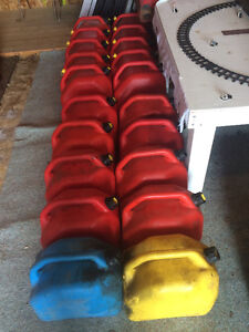 20-20 L. jerry cans/diesel/gas cans