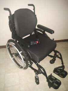 Helio A7 Wheelchair by Motion Composites