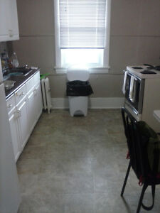 Apartment available to sublet/take over