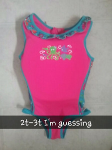 Swimming suit/life jacket