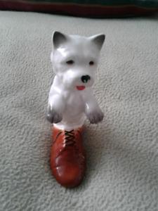 Figurine Westie in a shoe, porcelaine Taiwan