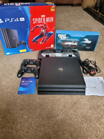 Ps4 Pro 1TB with 2 Controllers and multifunction stand