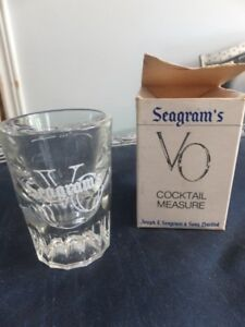 SEAGRAM AND SONS LIQUOR MEASURING GLASS