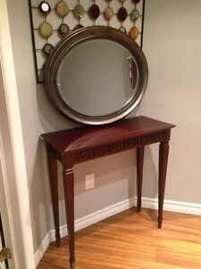 Oval mirror in mint condition