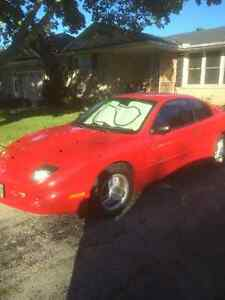 1995 Pontiac Sunfire Coupe (2 door)